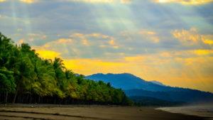 Beach Meets Jungle: Altos de Miramar, Dominical, Osa Peninsula