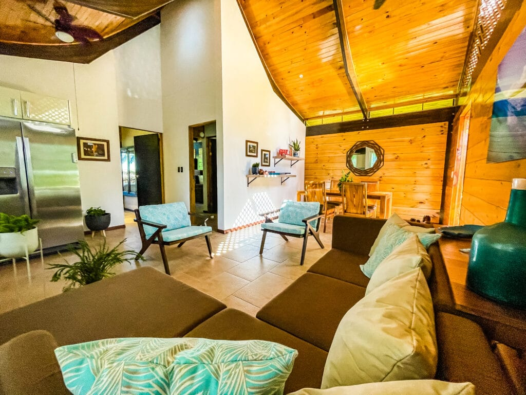 Toucan Bungalow living and rooms