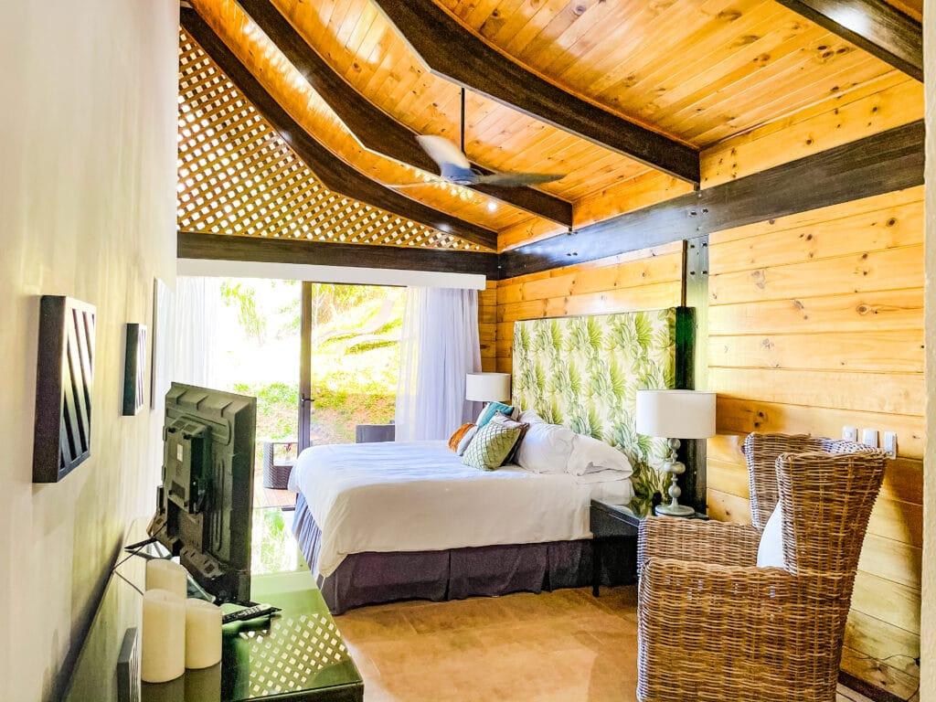 Toucan Bungalow Large Room Patio